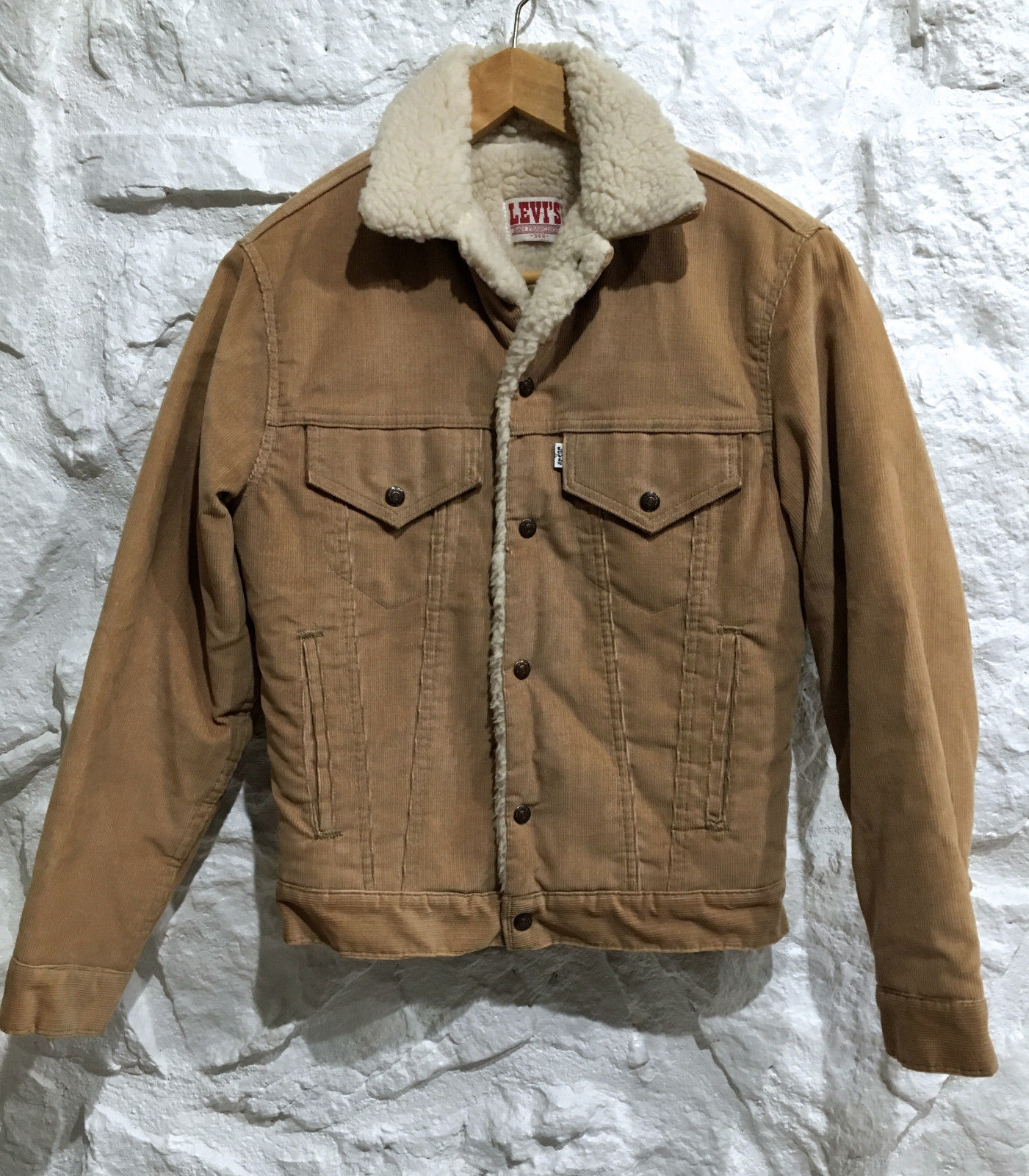 A Guide To Buying Vintage Levi S Trucker Jackets On Ebay Comma