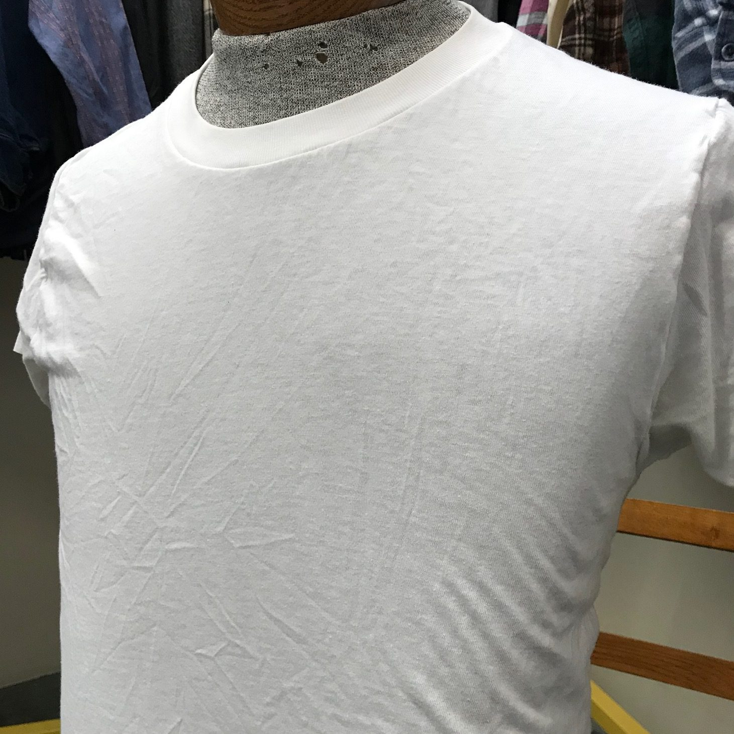 Vintage white t-shirt without a pocket